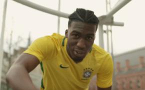 """Britânico JXSE divulga novo single """"Ronaldinho"""" exaltando o mestre dos """"dibres"""""""