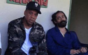 Jay Z gravou novo clipe com Damian Marley e Junior Reid em favela jamaicana de Trench Town