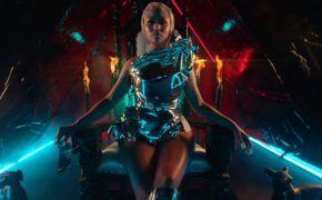 "Nicki Minaj divulga o clipe de ""Hard White"""