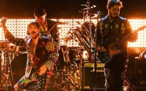 Confira a performance do Post Malone com o Red Hot Chili Peppers no Grammy Awards 2019