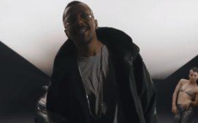"""Black Alien divulga videoclipe da faixa """"Vai Baby"""""""