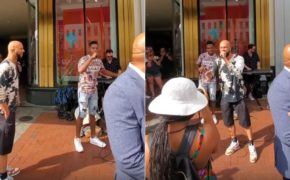 Common faz freestyle na rua com rapper local de New Orleans