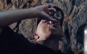 """Delacruz divulga o videoclipe da música """"A Meta é Ficar Bem"""" com Camila Zasoul"""
