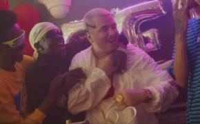 """Cacife Clandestino divulga o clipe da música """"Eu e Você Contra o Mundo Pt. 2"""""""