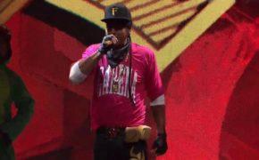 Mano Brown faz show de abertura no campeonato mundial de Free Fire com MC Jottapê e DJ Alok