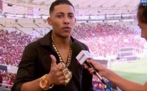MC Poze dá entrevista para o SporTV após show no Maracanã